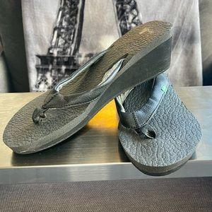 Sanuk Brown Wedge Heel Flip Flop Yoga Mat Sandals